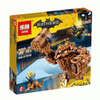 Конструктор LEPIN Batman Атака Глиноликого