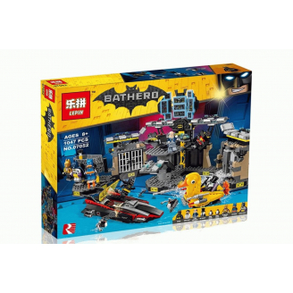 Конструктор LEPIN Batman Нападение на Бэтпещеру